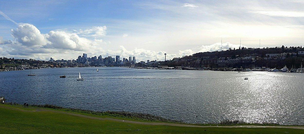 lake-view-2189360_1920-pixabay.jpg