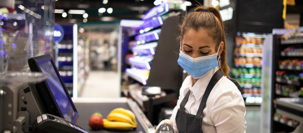 retail-worker-wide.jpg